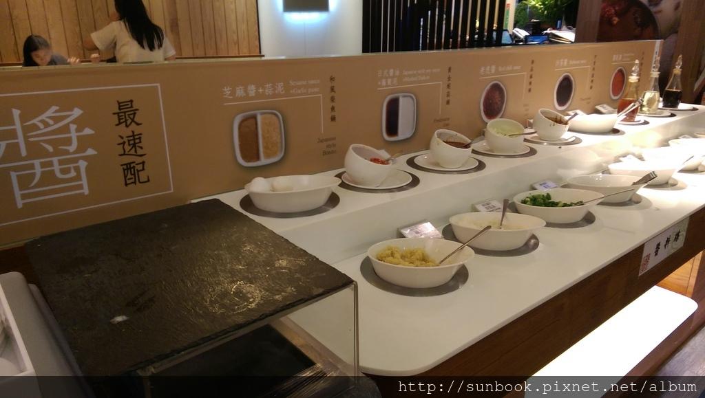 [食記] 台北車站精彩火鍋吃到飽。吃海鮮的好地方14.jpg