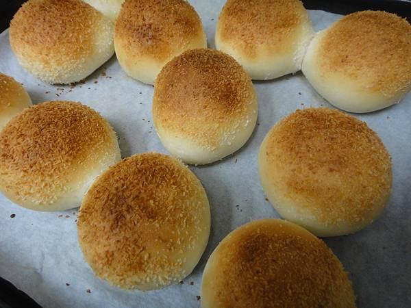 奶酥麵包出爐