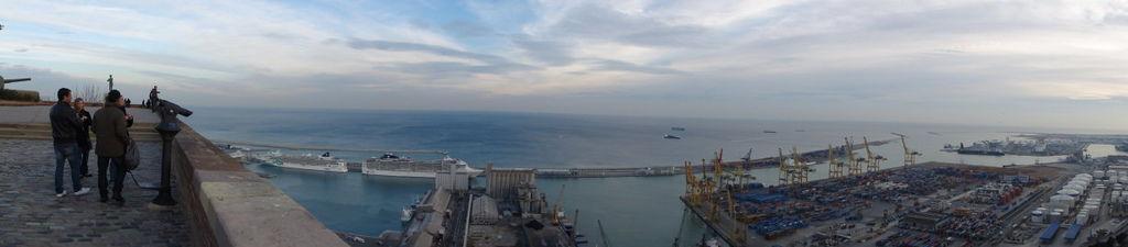 317-巴賽隆納-雕堡俯瞰碼頭.jpg
