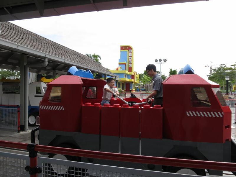 legoland-消防車2.jpg