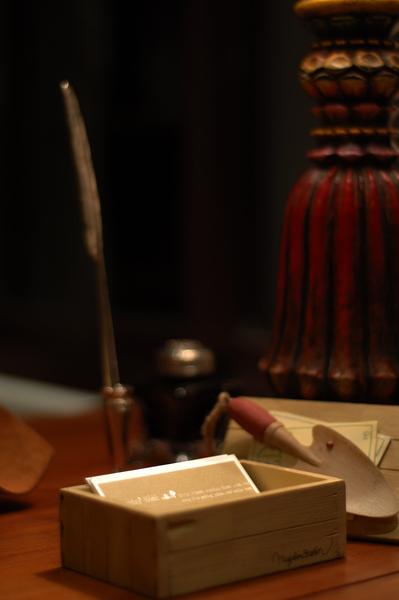 宜蘭民宿 Sunday Home 接待桌上的名片盒
