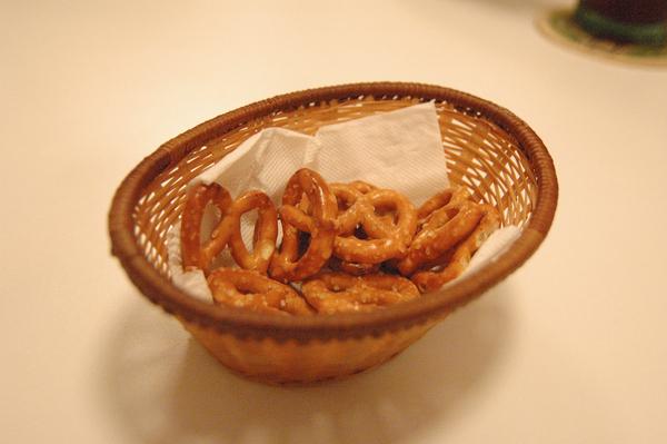 宜蘭美食 Ninety-Six 用餐前的小餅乾