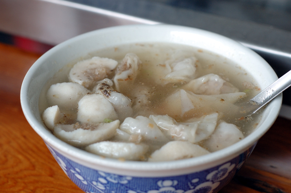 宜蘭美食羅東興東路 餛飩湯/乾麵