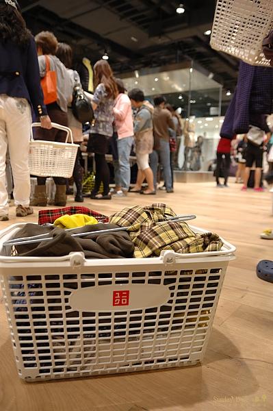 20101018 統一阪急 UNIQLO / Saizeriya 義大利麵 一日遊 【宜蘭民宿】Sunday Home