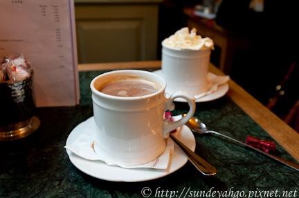 摩卡咖啡與熱可可