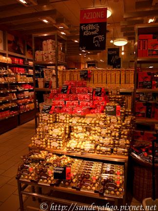 瑞士超市裡的巧克力專區