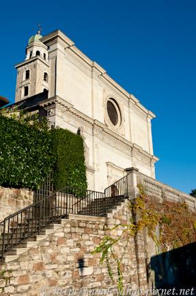聖羅倫左教堂,盧加諾