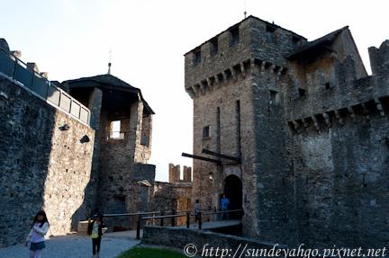 貝林佐納 蒙特貝羅城堡