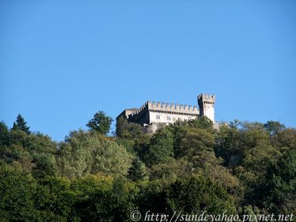 貝林佐納 卡貝羅城堡