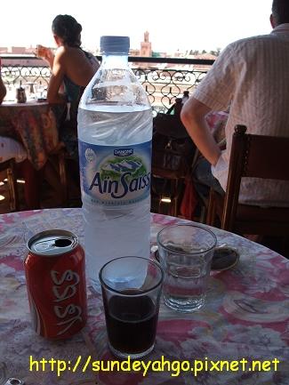 可樂與水...阿拉伯文