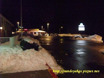 被雪包圍的Days Inn