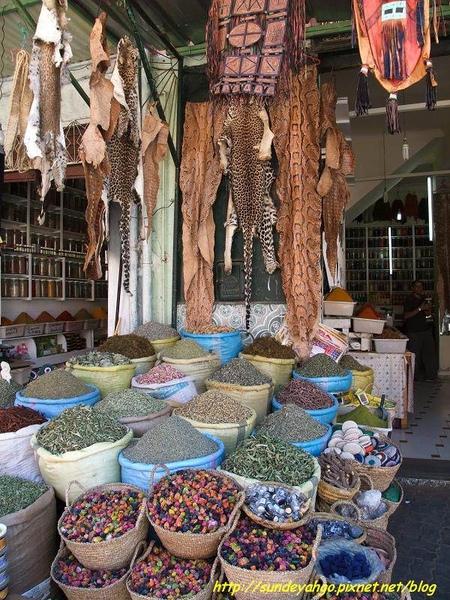香料蛇皮店