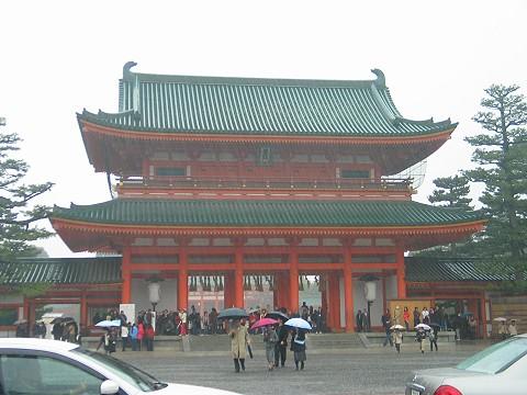 大雨中的平安神宮