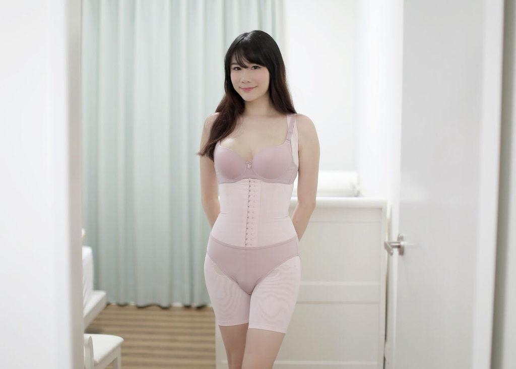 赫本塑身衣露易絲1.jpg