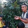 大家熱烈與獵人古道導覽哥哥合照_96.jpg
