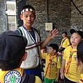 大家熱烈與獵人古道導覽哥哥合照_812.jpg