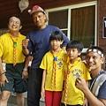 大家熱烈與獵人古道導覽哥哥合照_752.jpg