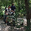 大家熱烈與獵人古道導覽哥哥合照_2177.jpg