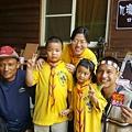大家熱烈與獵人古道導覽哥哥合照_2085.jpg