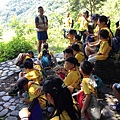 大家熱烈與獵人古道導覽哥哥合照_2384.jpg