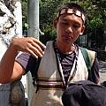 大家熱烈與獵人古道導覽哥哥合照_2722.jpg