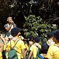 大家熱烈與獵人古道導覽哥哥合照_2433.jpg