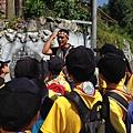 大家熱烈與獵人古道導覽哥哥合照_2893.jpg