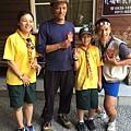 大家熱烈與獵人古道導覽哥哥合照_6763.jpg