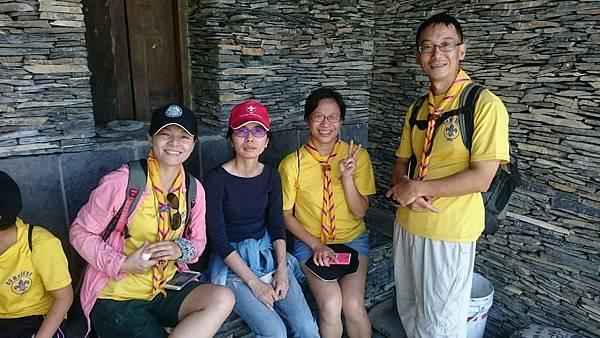 大家熱烈與獵人古道導覽哥哥合照_6769.jpg