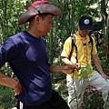 大家熱烈與獵人古道導覽哥哥合照_7528.jpg