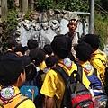 大家熱烈與獵人古道導覽哥哥合照_8235.jpg