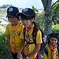 大家熱烈與獵人古道導覽哥哥合照_9050.jpg