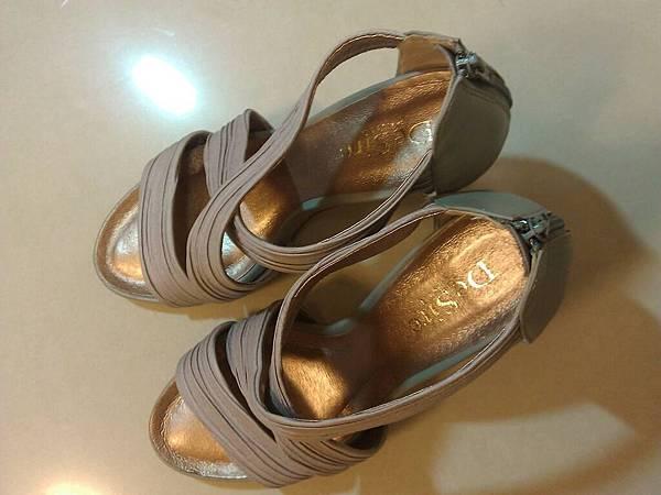 Desire 高跟羅馬鞋