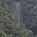 五峰旗第三層瀑布,可惜站到因颱風損毀不得進入