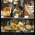 也有設可愛的麵包櫃喔!