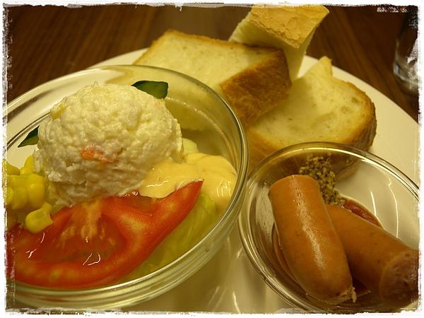 龐多米早餐.JPG