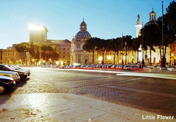1997年夏天的羅馬,向晚的街頭。