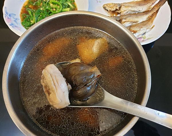 詠統  勝蒜在握  黑蒜禮盒  黑蒜料理