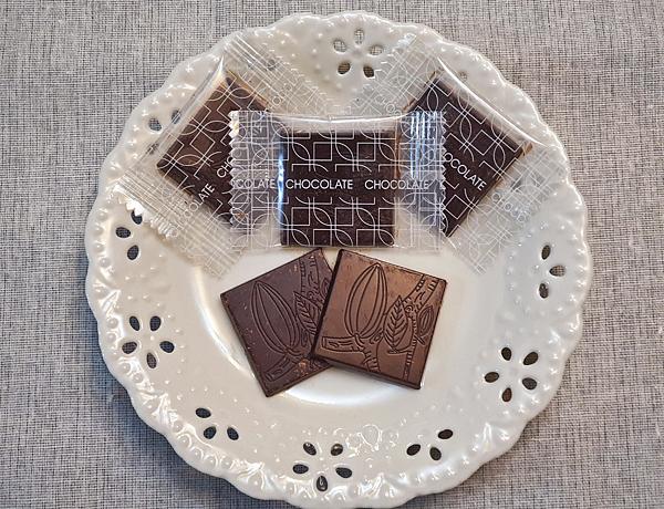 CHARMING72%機能黑巧克力