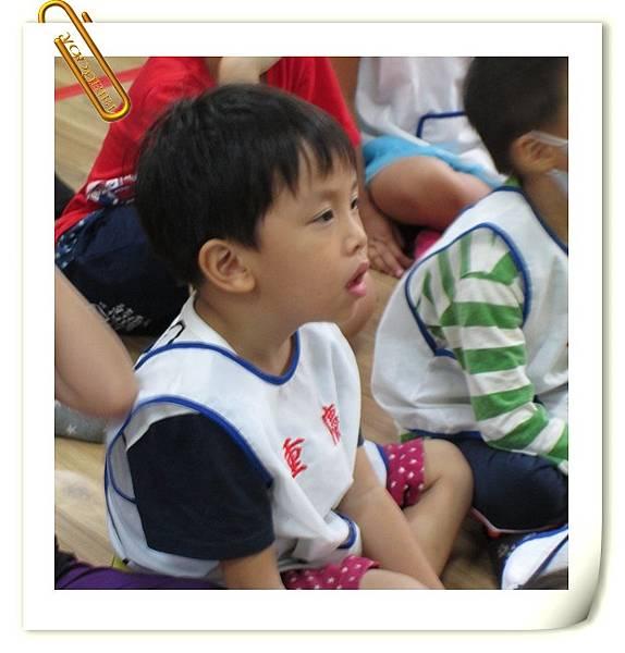 1041028外國老師說故事 (8).JPG