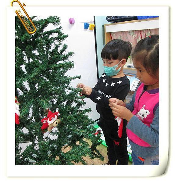 1041201布置聖誕樹 (9).JPG
