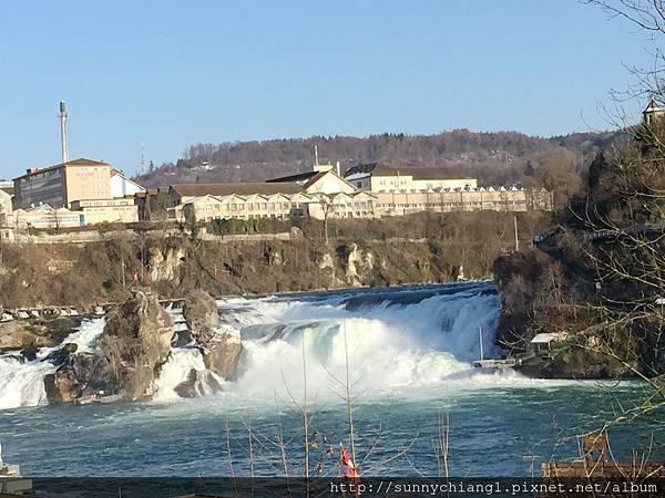萊茵河落瀑1.jpg