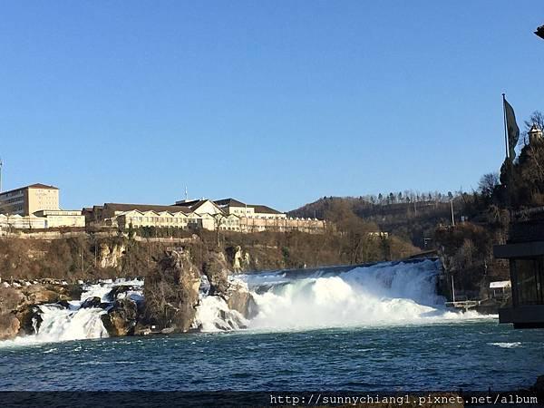 萊茵河落瀑5.jpg