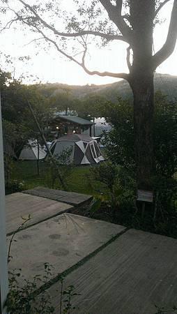 餐廳看出露營區