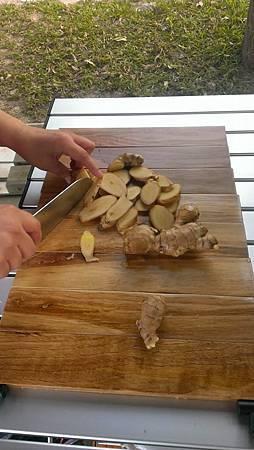 現場煮薑母鴨
