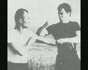BRUCE LEE 李小龍 GUNG FU JKD[(001283)15-02-16].JPG