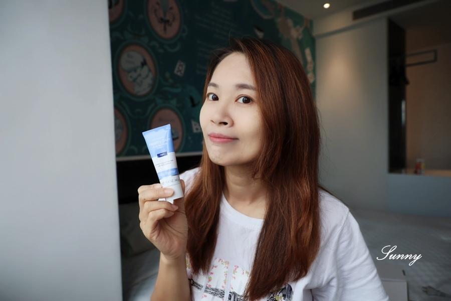 Neutrogena 露得清煥活緊緻A醇機能乳霜】AB霜 (22).JPG