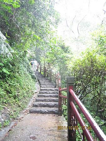 宜蘭礁溪景點-五峰旗瀑布2.jpg
