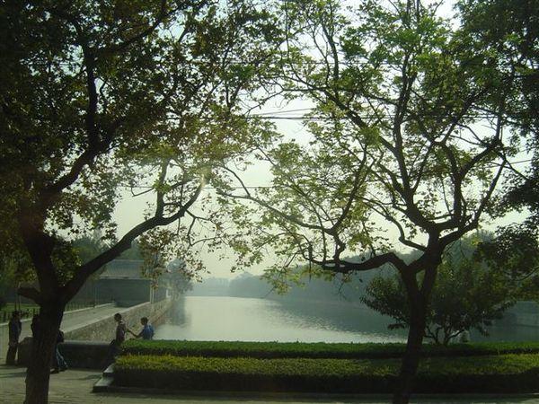 護城河2.JPG