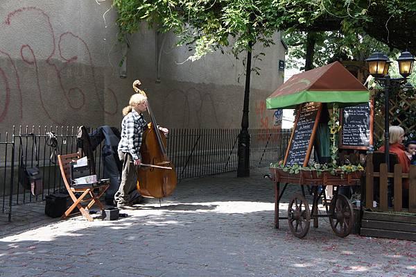 路邊的提琴手
